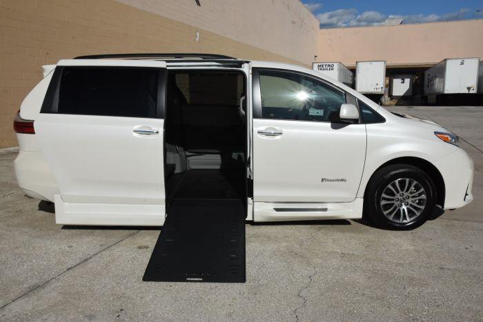 2020 Toyota Sienna Xle Nav Wheelchair Accessible Van