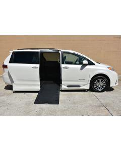 2020 Toyota Sienna XLE NAV