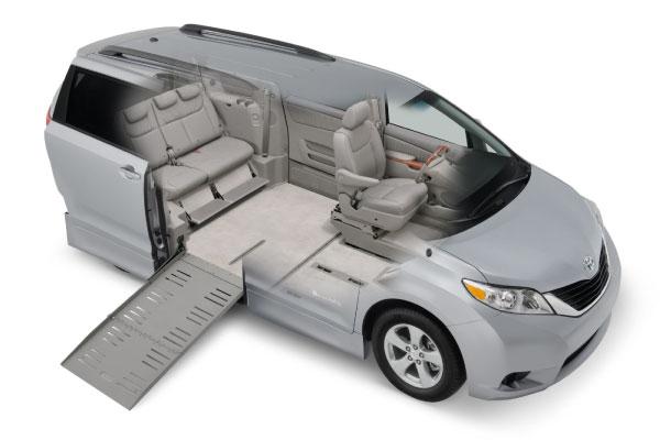 Toyota_Sienna_wheelchair_interior_2