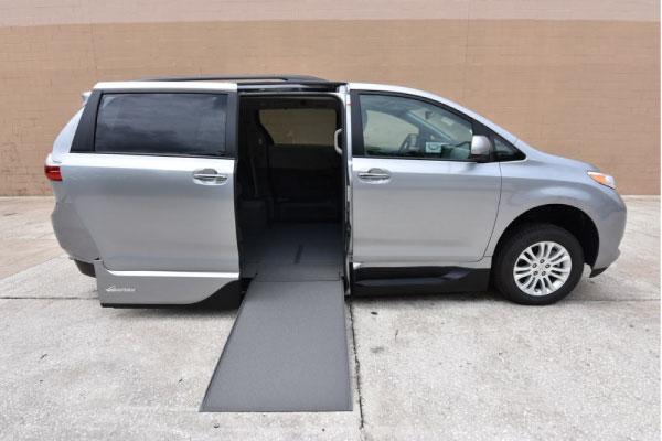 Toyota Sienna Wheelchair Van in Silver